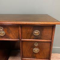 Small Mahogany Victorian Antique Pedestal Desk (2 of 7)