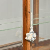 Sheraton Style Display Cabinet (10 of 12)
