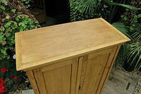 Gorgeous Old Pine 2 Door Cupboard with Shelves - Linen/ Larder/ Storage/ Food/ Wardrobe (7 of 10)