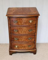 Small Proportioned Walnut Chest of Drawers (7 of 10)