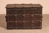 Nuremberg Chest or Pirate Chest 17th Century in Wrought Iron (8 of 12)