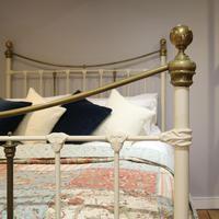 Decorative Victorian Antique Bed in Cream (3 of 6)