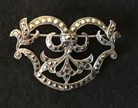 Silver and Marcasite Vintage Brooch (5 of 5)