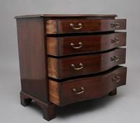 18th Century mahogany serpentine chest of drawers (7 of 9)