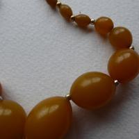 Graduated Bakelite Bead Necklace (9 of 11)