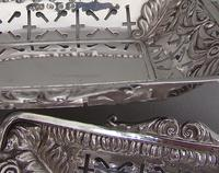 Unusual Pair of Victorian Silver Bonbon Dishes by Minshull & Latimer, Birmingham 1898 (5 of 5)