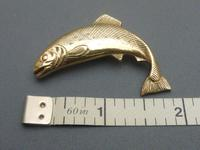 9ct gold salmon brooch (3 of 5)