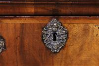 Queen Anne Period Walnut Chest of Drawers Late 17th Century (4 of 11)