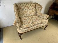 Two Seater Settee with Carved Legs (2 of 5)