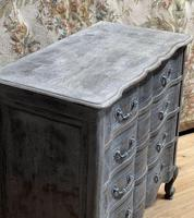 Smaller French Painted Chest of Drawers (7 of 9)