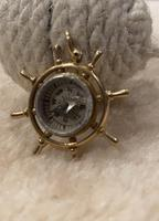 9ct Gold ships Wheel Compass Pendant (6 of 6)