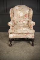 Chippendale Style Floral Upholstered Wing Chair (4 of 16)