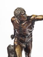 Very Well Cast 19th Century Bronze of a Gladiator (4 of 7)