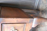Rare Georgian four drawer dresser base. (9 of 13)