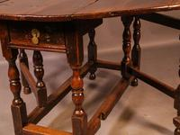 17th Century Gateleg Dining Table c.1680 (10 of 13)