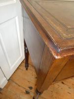 Neat 19th Century Kneehole Desk (6 of 11)