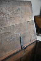 Early 18th Century Oak Mule Chest (6 of 12)
