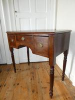 Neat 19th Century Kneehole Desk (11 of 11)