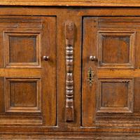Good Late 17th Century Oak Court Cupboard (6 of 6)