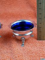 Pair of Sterling Silver Hallmarked Salt Cellar Pot with Blue Glass Liner (5 of 10)
