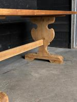 Trestle End Oak Farmhouse Dining Table (12 of 18)