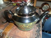 Jackfield Tea Pot. Clean--possibly a Cabinet item and not used. Nicely Decorated. (4 of 5)