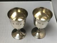 Excellent Pair of Solid Silver Goblets Eliz II (3 of 5)