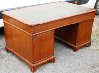 1960s Large Mahogany Partners Desk with Green Leather on Top (5 of 5)