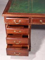 Good Late 19th Century Pedestal Desk with a Triple Inlaid Leather Top (7 of 7)