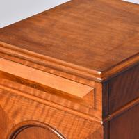 Pair of Victorian Mahogany Bedside Cabinets (2 of 9)