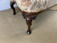 Two Seater Settee with Carved Legs (5 of 5)