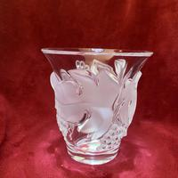 """Lalique """"Saumur"""" Leaf and Berry Pattern Clear and Frosted Glass Heavy Vase (3 of 7)"""