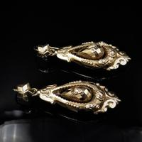 Antique Victorian Etruscan Revival Grape 9ct Gold Long Drop Dangle Earrings (4 of 9)