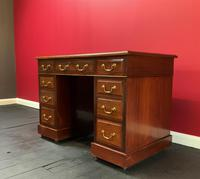 Small Antique Edwardian Leather Bound Mahogany Twin-Pedestal Writing Desk (2 of 16)