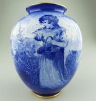 A Royal Doulton Art Pottery Flow Blue Blue Children Vase C.1912-30 (3 of 5)