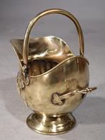 Very Shapely Early 20th Century Helmet Coal Scuttle (5 of 5)
