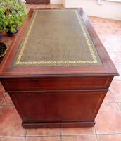 Howard & Sons Double Pedestal Desk c.1890 (8 of 13)