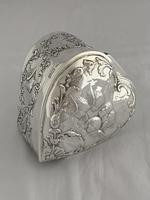 Large Victorian HEART Antique Silver Trinket / Jewellery Box 1898 W COMYNS (7 of 12)