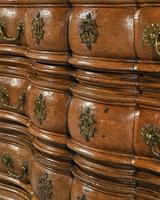 Rare Early 18th Century Franco-Flemish Oak Serpentine Fronted Commode (8 of 11)