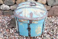 Scandinavian / Swedish 'Folk Art' Travel chest in blue paint and ironwork, 18th Century (12 of 37)