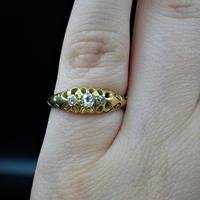 Antique Victorian Old Cut Diamond Three Stone Trilogy 18ct Gold Scroll Ring (10 of 10)