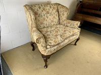 Two Seater Settee with Carved Legs (4 of 5)