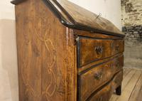 18th Century Italian Piemonte Walnut Serpentine Bureau (6 of 14)