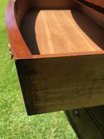 George III Small Mahogany Bow Front Chest of Drawers (6 of 11)