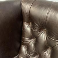 Large Regency buttoned leather wing armchair (5 of 11)