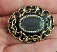 Antique Victorian Mourning Brooch, 9ct Gold Black Enamel (10 of 10)