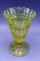 Victorian Uranium Glass Trumpet Posy Vase - C1880 (5 of 6)