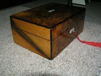 Antique Victorian Walnut Jewellery / Trinket Box, Mop, working lock & key (5 of 9)