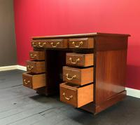 Small Antique Edwardian Leather Bound Mahogany Twin-Pedestal Writing Desk (8 of 16)