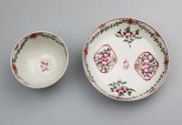 A Pair New Hall Porcelain Tea Bowls & Saucers C.18thc (6 of 8)